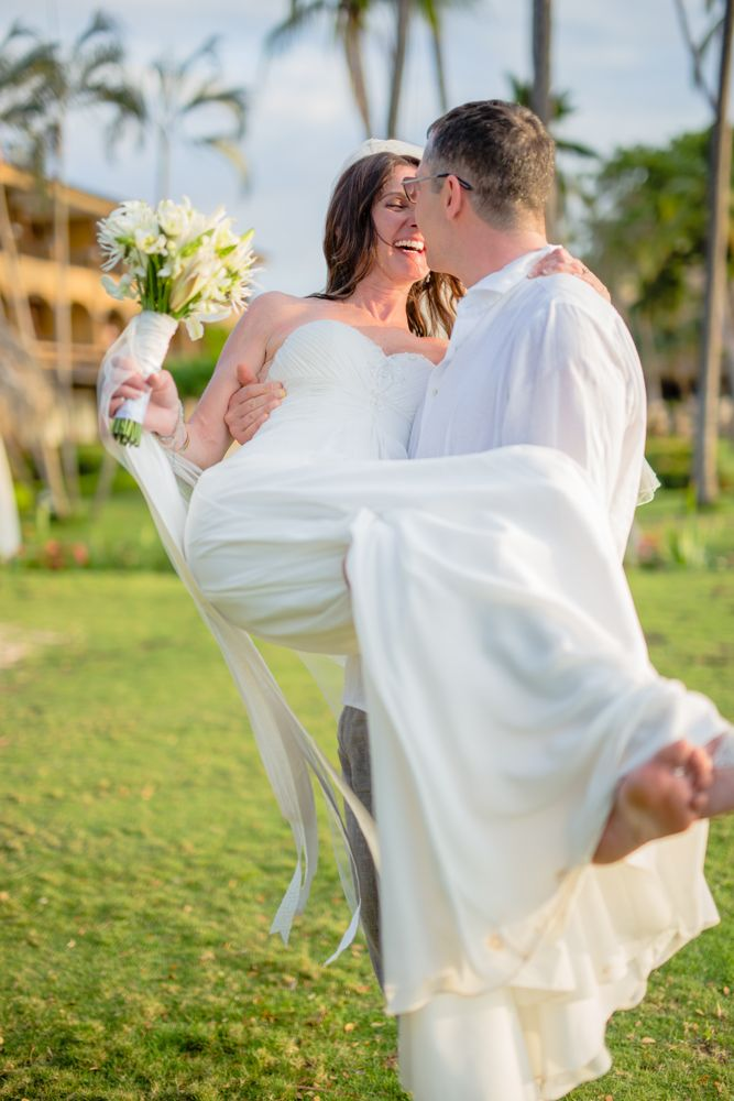 Weddings at Tamarindo Diria, Guanacaste, Costa Rica.
