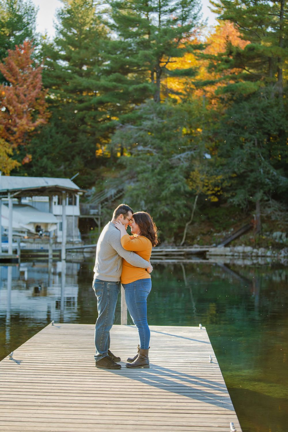 Kingston Couples Photography - Couple on dock