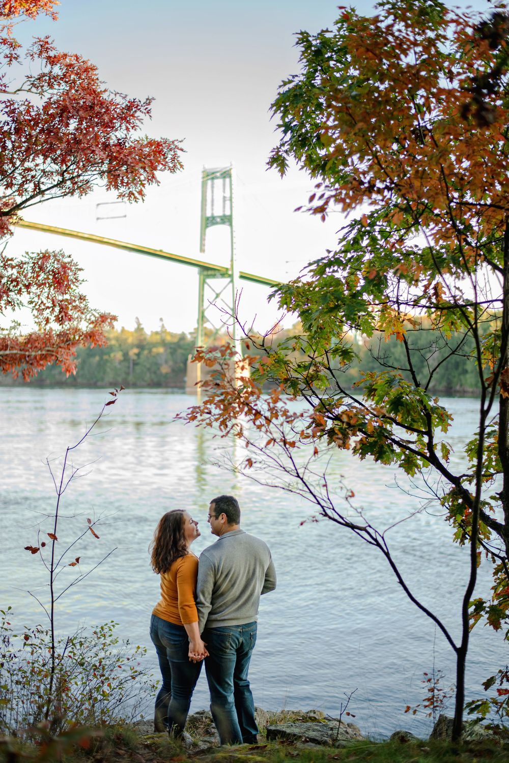 Kingston Couples Photography - Couple overlooking the Thousand Islands Bridge