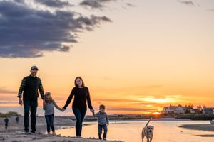 Beach family photo sessions in Maine