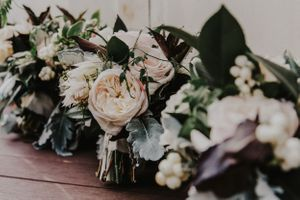 Beautiful neutral colored wedding bouquets lined up