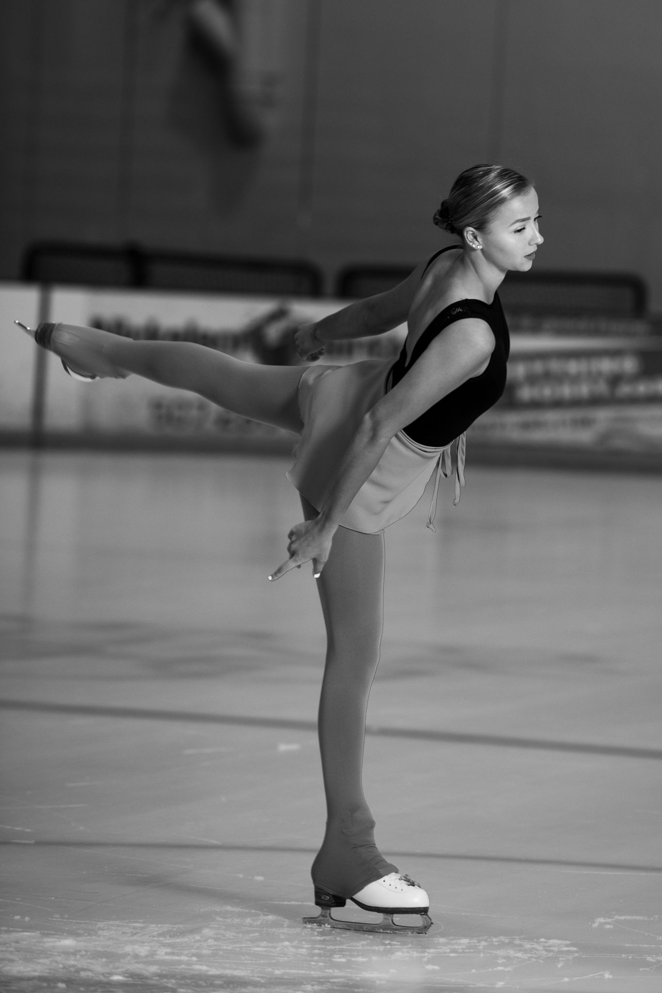 Figure Skating, ice skating, Senior photos, lunge, black and white