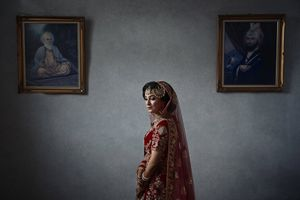 stunning birmingham sikh wedding bride