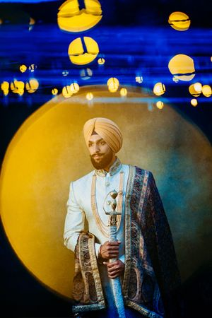 pagh vala menswear sikh wedding groom getting ready portraits