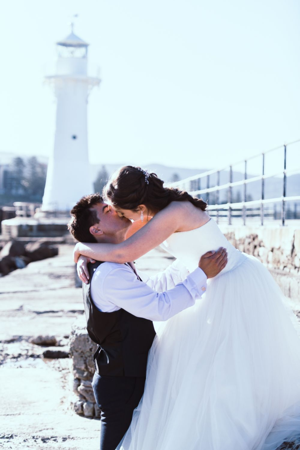 wollongong wedding kiss