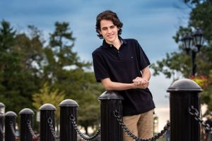 Senior portraits taken in downtown plymouth ma by heidi harting photography