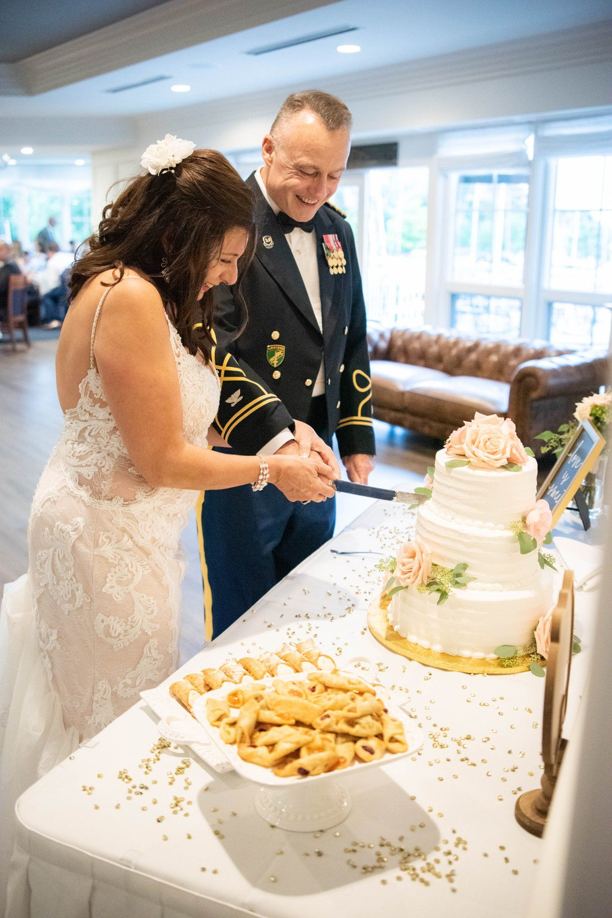 wedding cake cutting , Cleveland Yachting Club, Ohio