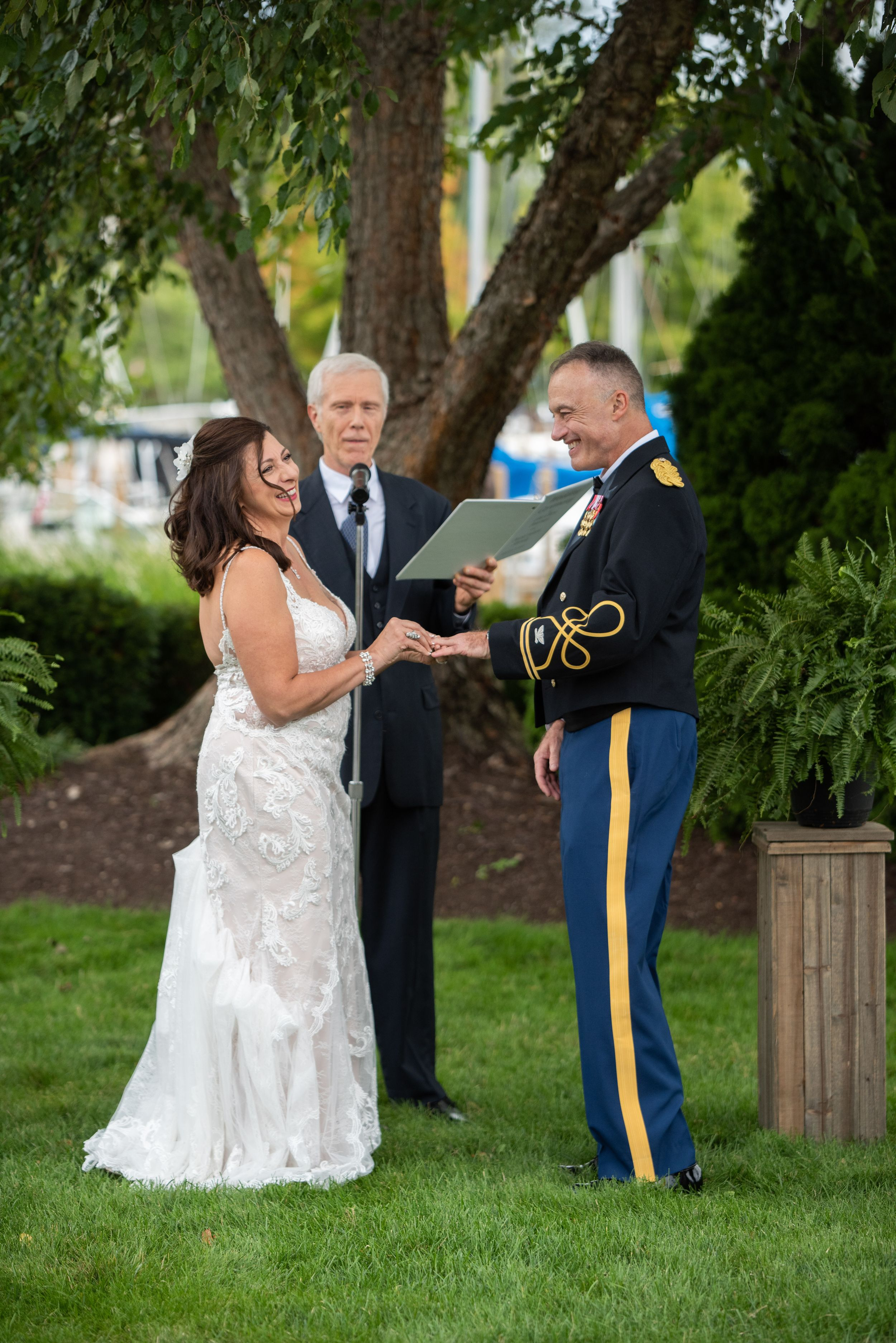 outdoor wedding ceremony, Cleveland Yachting Club, Ohio