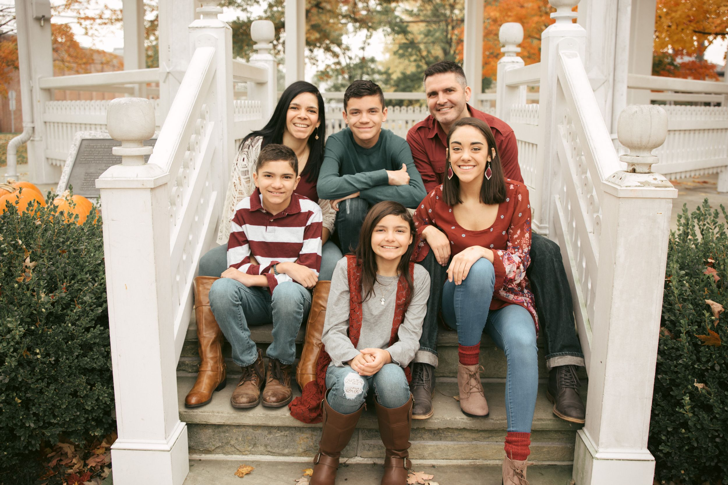 family of six pose, Chardon Square Gazebo