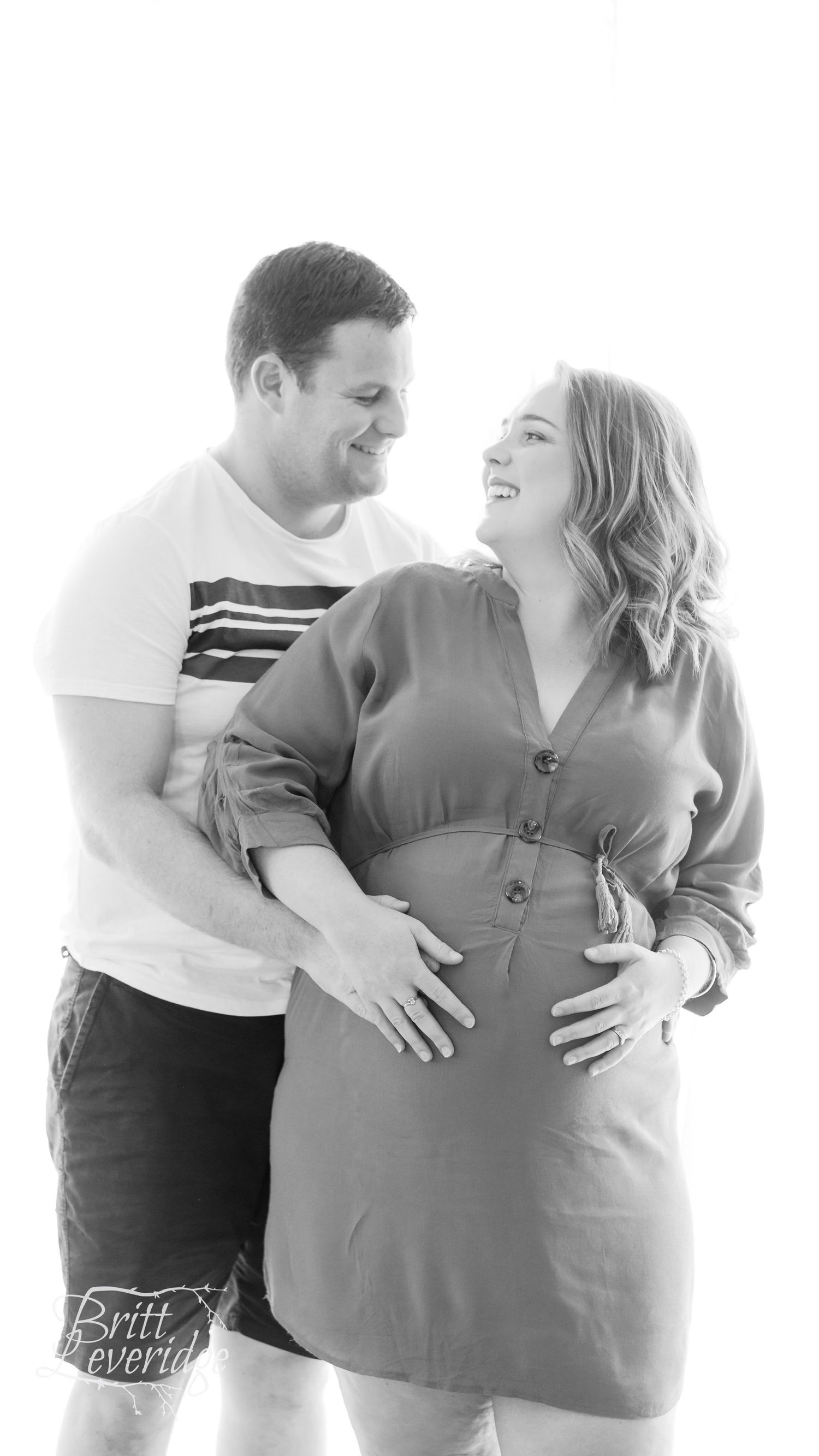 Black and white couple maternity photo - Carterton NZ