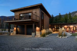 Residential architectural photographer