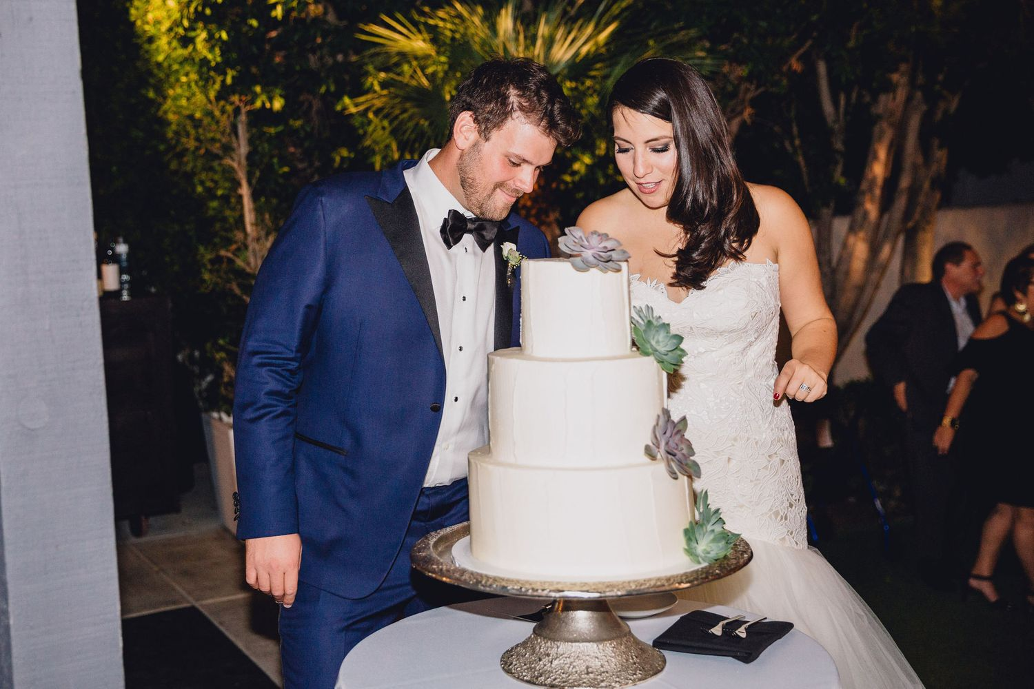 Cake Cutting | Avalon Hotel Palm Springs