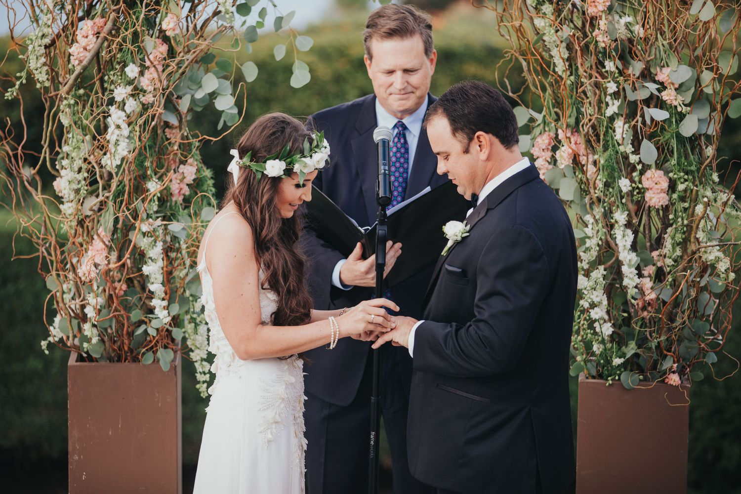 wedding ring exchange at la venta inn
