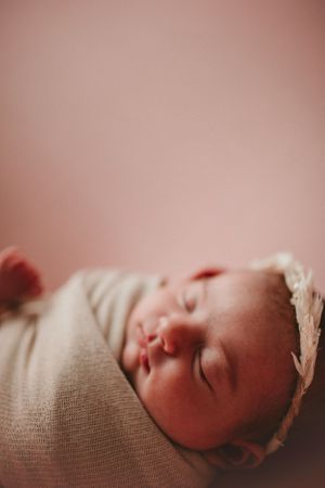 Newborn wrapped | Nebraska Newborn Photography