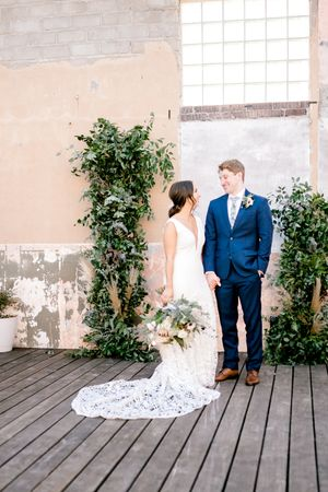 Elizabeth Couch Photography | Dallas Fort Worth Wedding Photographer | The Post at River East | Fort Worth wedding