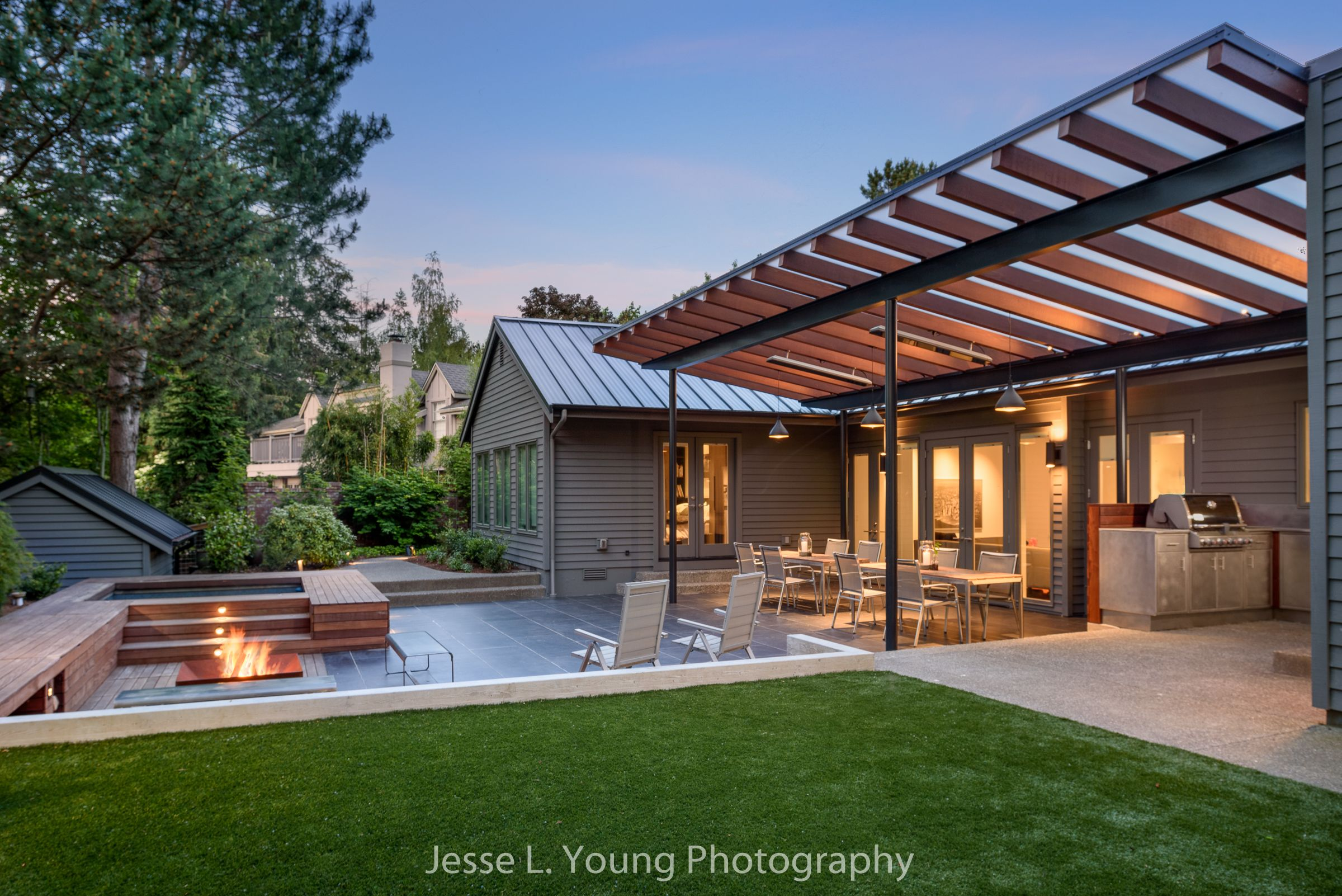exterior twilight home photography